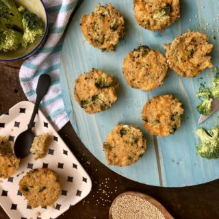 Broccoli and Cheddar Quinoa Bites {SNEAKY SUNDAY RECIPE}